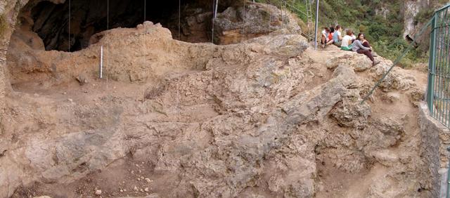 Vista este-oeste de la estratigrafia del Sector Septentrional, niveles VI a XVIII.